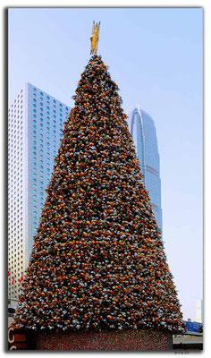 HK0043.Christmas tree