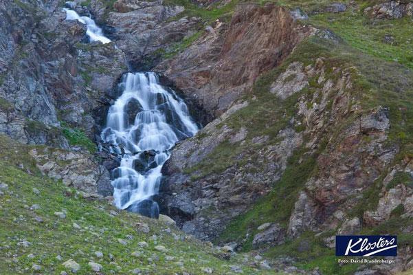 P0137.Wasserfall bei den Jöriseen.Klosters.CH