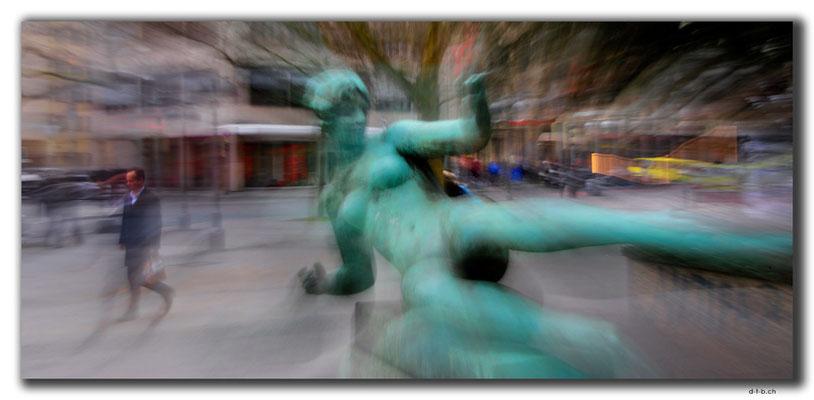 DE333.Hannover.Georgstrasse.Statue