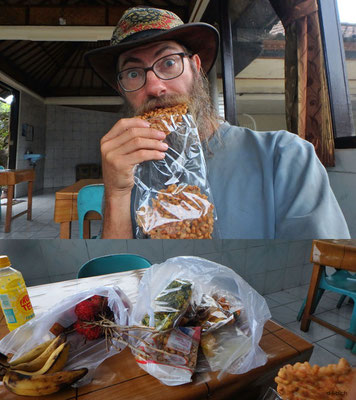 Indonesien.Bali.Mittagessen im Bushäuschen