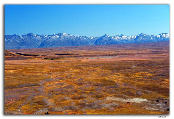 NZ0802.Lake Tekapo.Mountain view from Mt.John