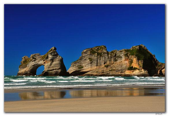 NZ0628.Wharariki Beach.Archway Islands