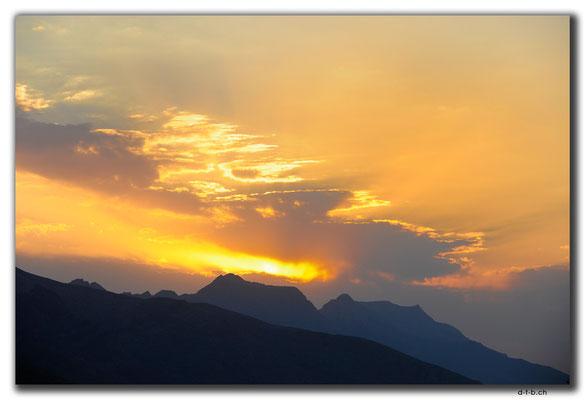 IR0153.Isfahan.Sunset