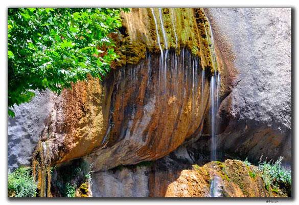 IR0133.Semirom.Waterfall