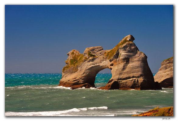 NZ0626.Wharariki Beach.Archway Islands