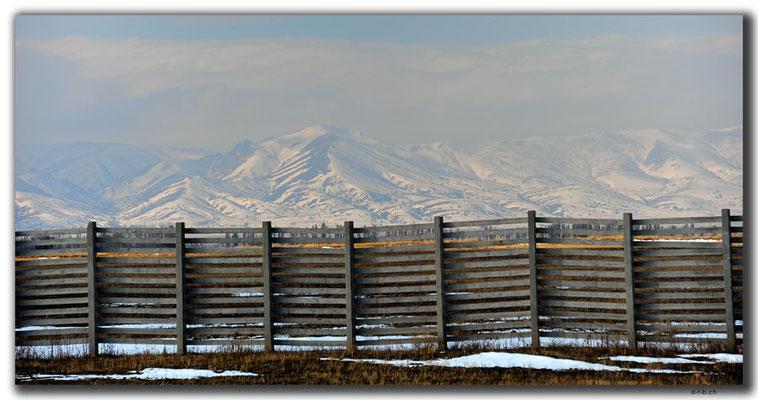 KZ0047.Schneebedeckte Berge
