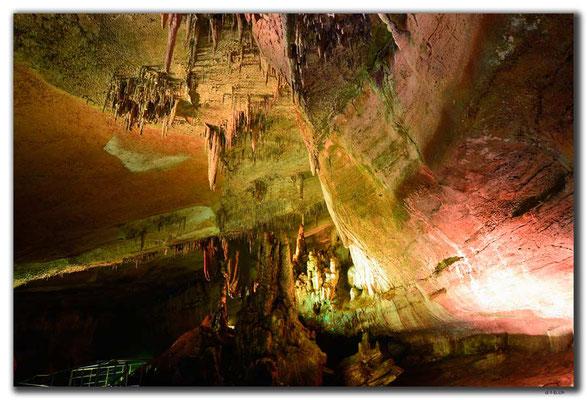 GE055.Sataplia Cave
