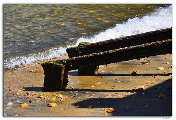 NZ0834.Stewart Island.Oban.Golden Bay
