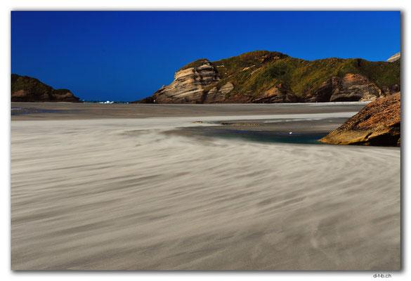 NZ0629.Wharariki Beach.Blowing Sands