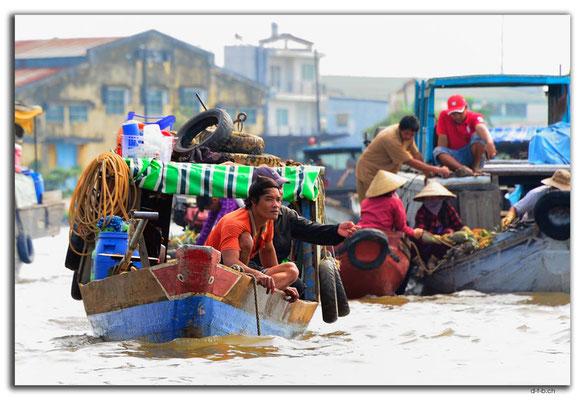 VN0388.Cai Rang.Floating Market