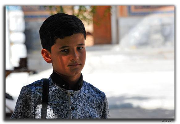 UZ0091.Samarkand.Registan.junger Usbeke