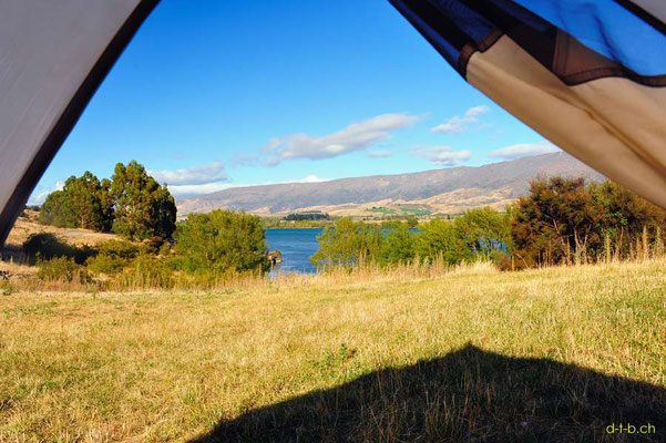 NZ: Aussicht aus dem Zelt am Lake Dunstan