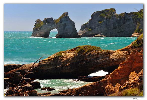 NZ0622.Wharariki Beach.Archway Islands