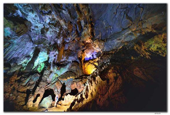 VN0111.Phong Nha Cave