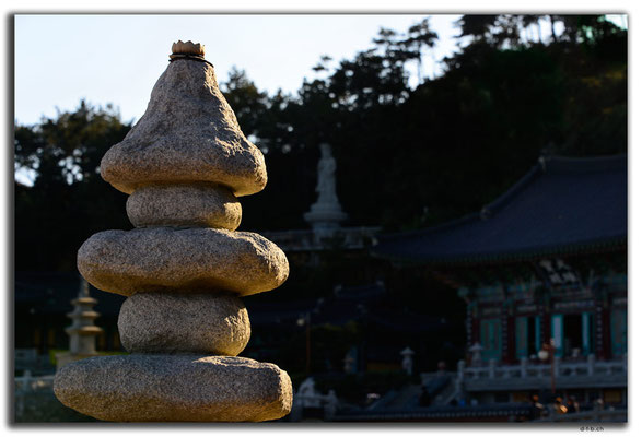 KR0334.Busan.Haedong Yonggunsa Temple