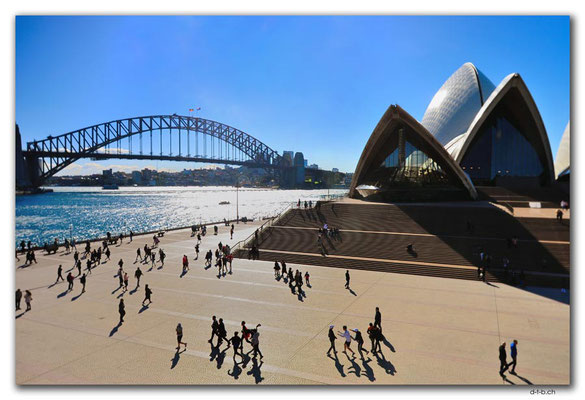 AU1701.Sydney.Harbour Bridge + Opera House