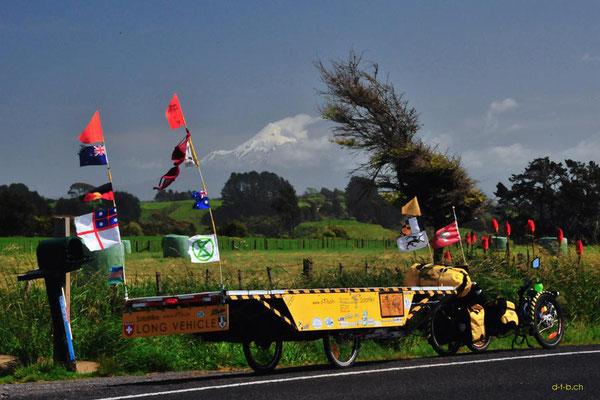 NZ: Solatrike vor Mt.Taranaki
