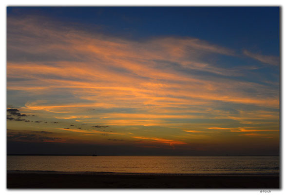 AU0054.Darwin.Mindil Beach