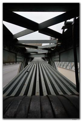 HU031.Budapest.Kettenbrücke