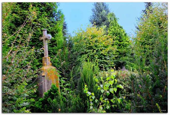 DE143.Alt Borschemich.Friedhof. Wurde abgerissen.