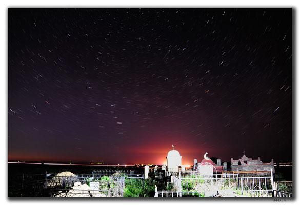 KZ0106.Sternenhimmel über dem Friedhof