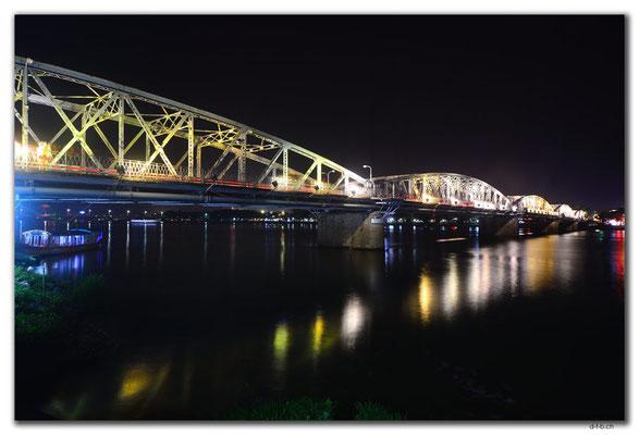 VN0196.Hue.Truong Tien Bridge