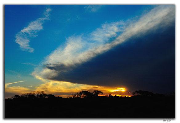 AU0943.Nullarbor N.P. Sunset