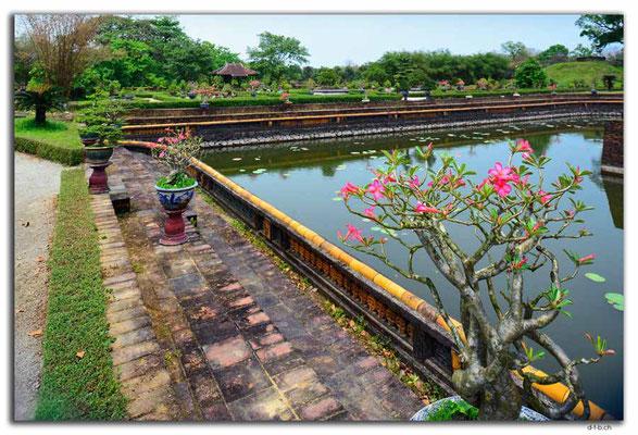 VN0161.Hue.Citadel.Co Ha Garden