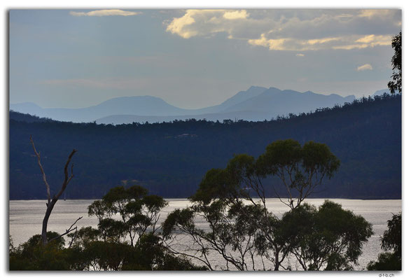 AU1317.View from Bruny Island