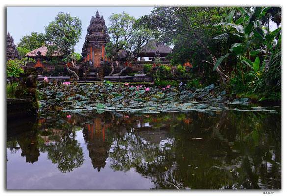 ID0045.Ubud.Pura Saraswati und Lotuspond