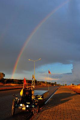 CTR: Solatrike in Bafra, Regenbogen