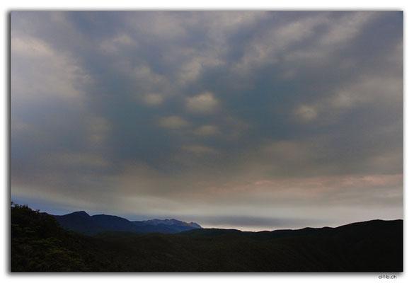 NZ0585.Anatoki Track.Sky over Lockett Range