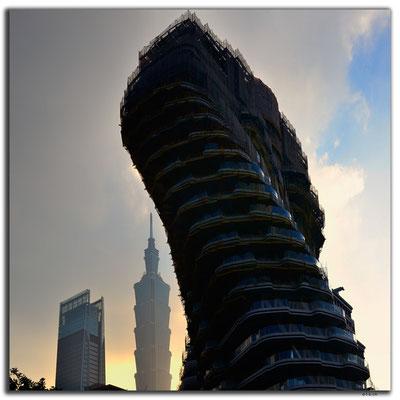 TW0016.Taipei.Verdrehtes Haus