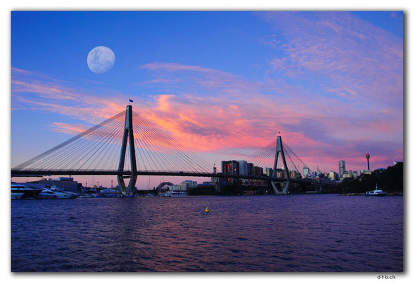 AU1707.Sydney.Glebe Point.ANZAC Bridge