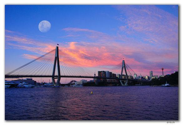 AU1707.Sydney.Glebe Point.ANZAC Bridge