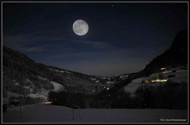 A0316.Klosters Dorf mit Mond