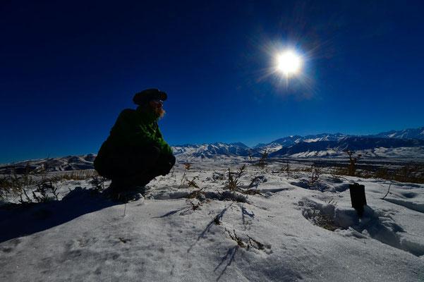 KG: David auf eingeschneitem Hügel bei Bishkek