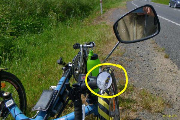 NZ: Schaden am Solatrike: Rückspiegel zertrümmert