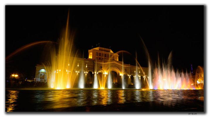 AM050.Yerevan.Wasserspiel