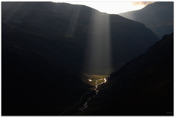 A0788.Sonnenstrahlen im Schlappintal.Klosters.CH