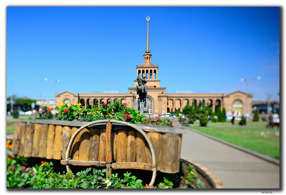 AM045.Yerevan.Bahnhof