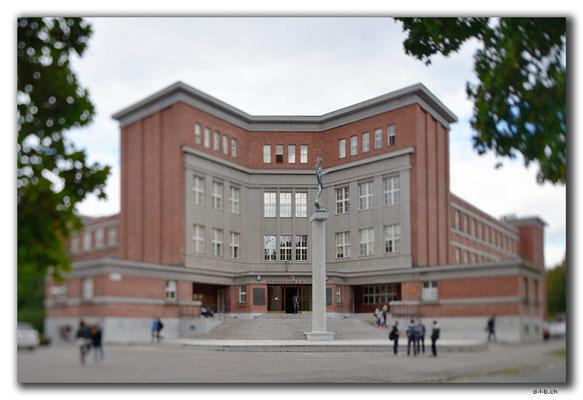 CZ081.Hradec Kralové.Gymnasium