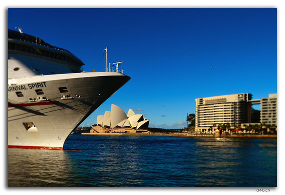 AU1608.Sydney.Harbour and Opera House
