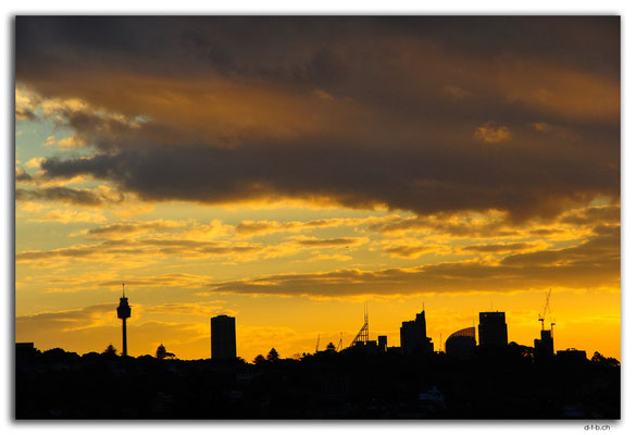 AU1621.Sydney.Evening sight from Bondi