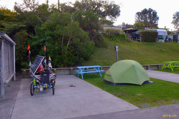 NZ: Solatrike im Red Beach Camping