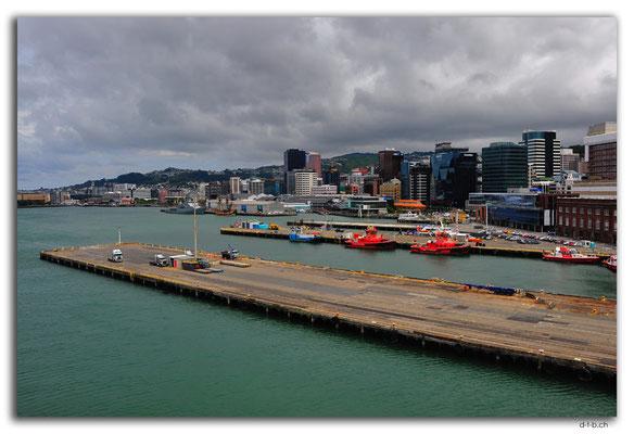 NZ0470.Wellington Hafen