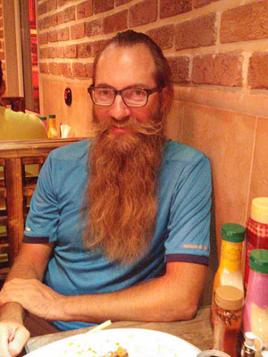 IR: Rasht, with Faraz und family in the Restaurant (Photo: Faraz)