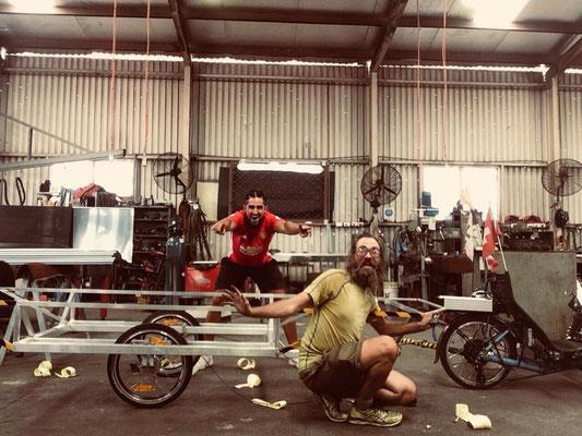 AU: Darwin, Building the 3rd. Trailer (Photo: Mehdi)
