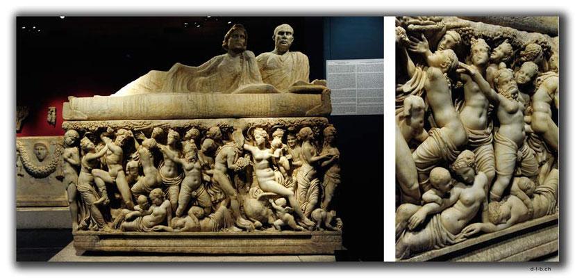 TR0346.Antalya.Museum.Sarkophag