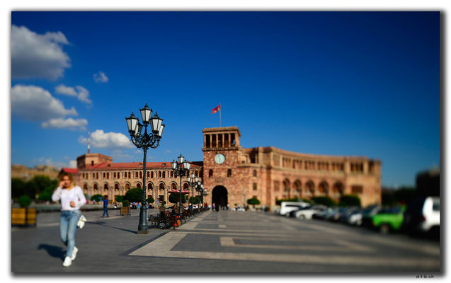 AM048.Yerevan.Platz der Republik